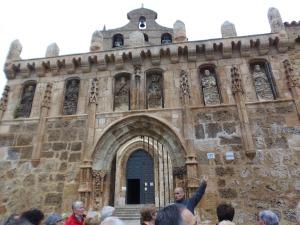 Entrada al Monasterio de San Salvador de Oña